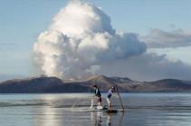 Вулкан Тааль на Филиппинах выбросил двухкилометровый столб пепла