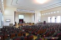 Бако Саакян принял участие в заседание военного совета Армии обороны