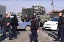 Մսավաճառները փակել են Էջմիածին-Աշտարակ և Երևան-Սևան ավտոճանապարհը