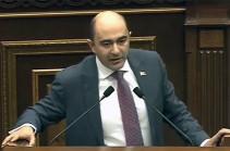 Спикер парламента применяет в отношении оппозиционных фракций санкции принятого республиканцами регламента – Эдмон Марукян