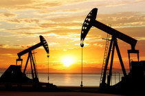 Oil dips as surplus forecast overshadows Libya disruption