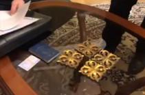 Փաստաբանը տեսանյութ է հրապարակել ՍԴ նախագահ Հրայր Թովմասյանի բնակարանից (Տեսանյութ)