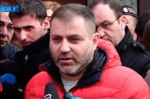Не нашли, потому что у меня нет оружия – Нарек Малян вышел из здания 6-го управления