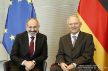 Никол Пашинян пригласил представителей Бундестага Германии следить в качестве наблюдателей за процессом референдума