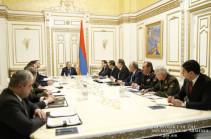 Премьер-министр провел совещание в связи со случаями гибели солдат в Вооруженных силах