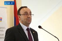 Председатель Конституционного суда Грайр Товмасян поздравил Бако Саакяна по случаю Дня возрождения Арцаха