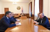 Бако Саакян встретился с омбудсменом Армении Арманом Татояном