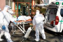 В Китае число жертв коронавируса достигло 2715 человек