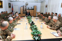 Bako Sahakyan introduces newly appointed minister to the staff of Defense Ministry