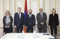 Այս հանրաքվեն շատ լուրջ քայլ է լինելու Հայաստանի հետագա ժողովրդավարացման ճանապարհին. Արարատ Միրզոյան