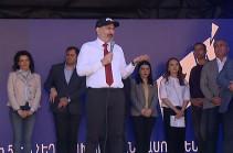 Եթե ես փախնեմ, էս ժողովուրդը վազելու է իմ հետևից ու ինձ բռնեն. նման դեպք եղել է. վարչապետն՝ իր անվտանգության և ուղղաթիռի մասին (Տեսանյութ)