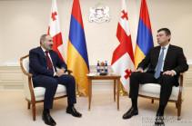 Премьеры Армении и Грузии обсудили вопросы по решению проблем с грузоперевозками