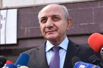 Намерен остаться в Арцахе и в рамках своих возможностей помогать стране и народу – Бако Саакян