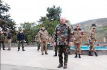 Бако Саакян посетил cело Талиш и возложил венок на мемориальном комплексе села
