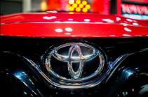 Toyota начнет производить защитные маски (ТАСС)