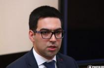Ռուստամ Բադասյանը Սահմանադրական դատարանի շուրջ ստեղծված ճգնաժամի հանգուցալուծման վերաբերյալ հարցեր է ուղղել Վենետիկի հանձնաժողովին