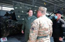 Министр обороны Армении побывал с неожиданным визитом в одной из воинских частей
