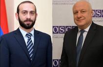 Арарат Мирзоян провел телефонную беседу с председателем ПА ОБСЕ Георгием Церетели