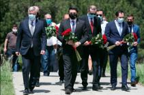 Փոխվարչապետ Մհեր Գրիգորյանը հարգանքի տուրք է մատուցել Բաշ-Ապարանի ճակատամարտի հերոսների հիշատակին