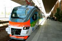 ЮКЖД возобновляет работу скорого электропоезда между Ереваном и Гюмри
