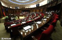 Изменения в Конституцию не будут больше направлять на подпись президента Армении
