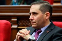 Процветающая Армения» направила подписи и основания для обращения в КС фракции «Светлая Армения» – Арман Абовян