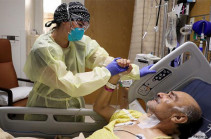 В США вновь резко обострилась ситуация с коронавирусом