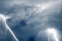 В Индии от ударов молнии погибли 23 человека