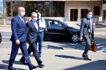 Глава МИД Армении Зограб Мнацаканян находится с рабочим визитом в Арцахе
