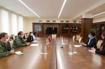Давид Тоноян принял главу делегации МККК в Армении