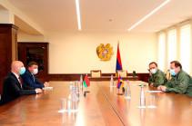 Состоялась встреча министра обороны Армении с послом Беларуси Игорем Назаруком