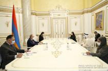 Հայաստանն ու ԱՄԷ-ն շահագրգռված են սերտ համագործակցությամբ. վարչապետը հրաժեշտի հանդիպում է ունեցել դեսպանի հետ