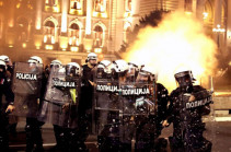 В Сербии смягчили карантинные ограничения после протестов