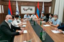 В партии «Родина» состоялось закрытое обсуждение о текущих тенденциях в карабахском урегулировании