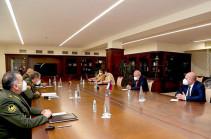 ԶՈՒ գլխավոր շտաբի պետն ընդունել է ՀՀ-ում ՌԴ դեսպան Սերգեյ Կոպիրկինին