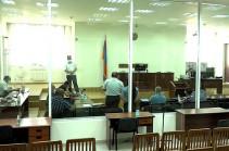 Адвокаты Роберта Кочаряна и Сейрана Оганяна ходатайствуют о приостановлении производства по уголовному делу и направлении его в КС
