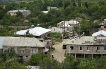 Այգեպարում հակառակորդի հրետակոծությունից վնասված տներից մի քանիսն արդեն ամբողջությամբ վերականգնված են
