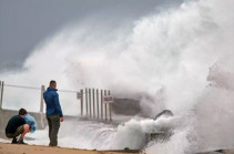 Cyclone Isaias reaches Canada after killing at least five in US