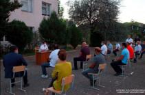 Արցախի նախագահը հանդիպել է Ստեփանակերտի Աջափնյակ թաղամասի բնակիչների հետ