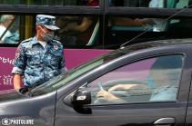 Ոստիկանությունը շարունակում է տուգանել քաղաքացիներին՝ ավտոմեքենայում դիմակ չդնելու համար