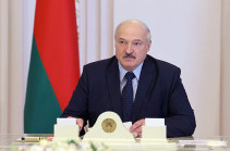 Лукашенко опроверг сообщения об отъезде из Белоруссии