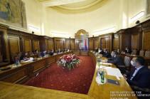 Премьер-министру представлены реализованные Комитетом по градостроительству в 2019 году мероприятия