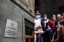 ՊԵԿ-ից արձագանքել են հագուստի և կոշիկի ներմուծմամբ զբաղվող տնտեսվարողների բողոքի ակցիային
