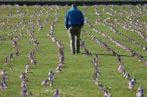 US Covid death toll passes 200,000