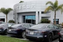 Маск пообещал через три года выпустить бюджетный беспилотник Tesla (Видео)
