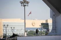 Несколько человек задержали у резиденции Лукашенко