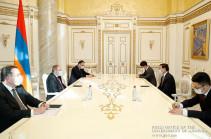Հայաստանն ու  Չինաստանը շահագրգռված են համագործակցության զարգացմամբ. վարչապետը հրաժեշտի հանդիպում է ունեցել ՉԺՀ դեսպանի հետ