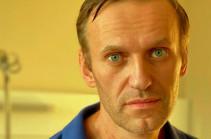 Навальный поблагодарил пилотов и омских врачей за спасение его жизни
