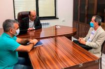 Омбудсмен Карабаха призвал представителя МККК провести работы по оценке гуманитарных нужд, возникших у мирного населения Арцаха вследствие азербайджанской агрессии