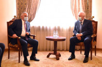 Երևանում է Եվրասիական տնտեսական հանձնաժողովի Կոլեգիայի նախագահ Միխայիլ Մյասնիկովիչը, նրան ընդունել է փոխվարչապետը